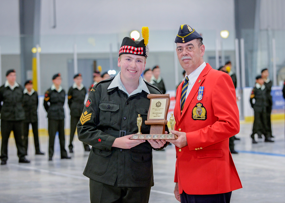 Steve Semenchuk presents trophy for Best Junior NCO